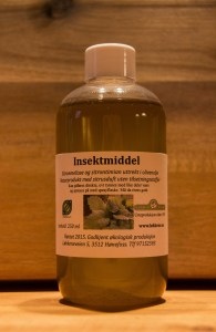 Insektmiddel med sitronmelisse og sitrontimian.